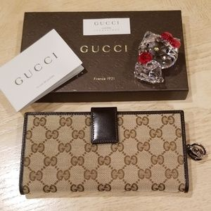 New Gucci Monogram Canvas Wallet With Charm